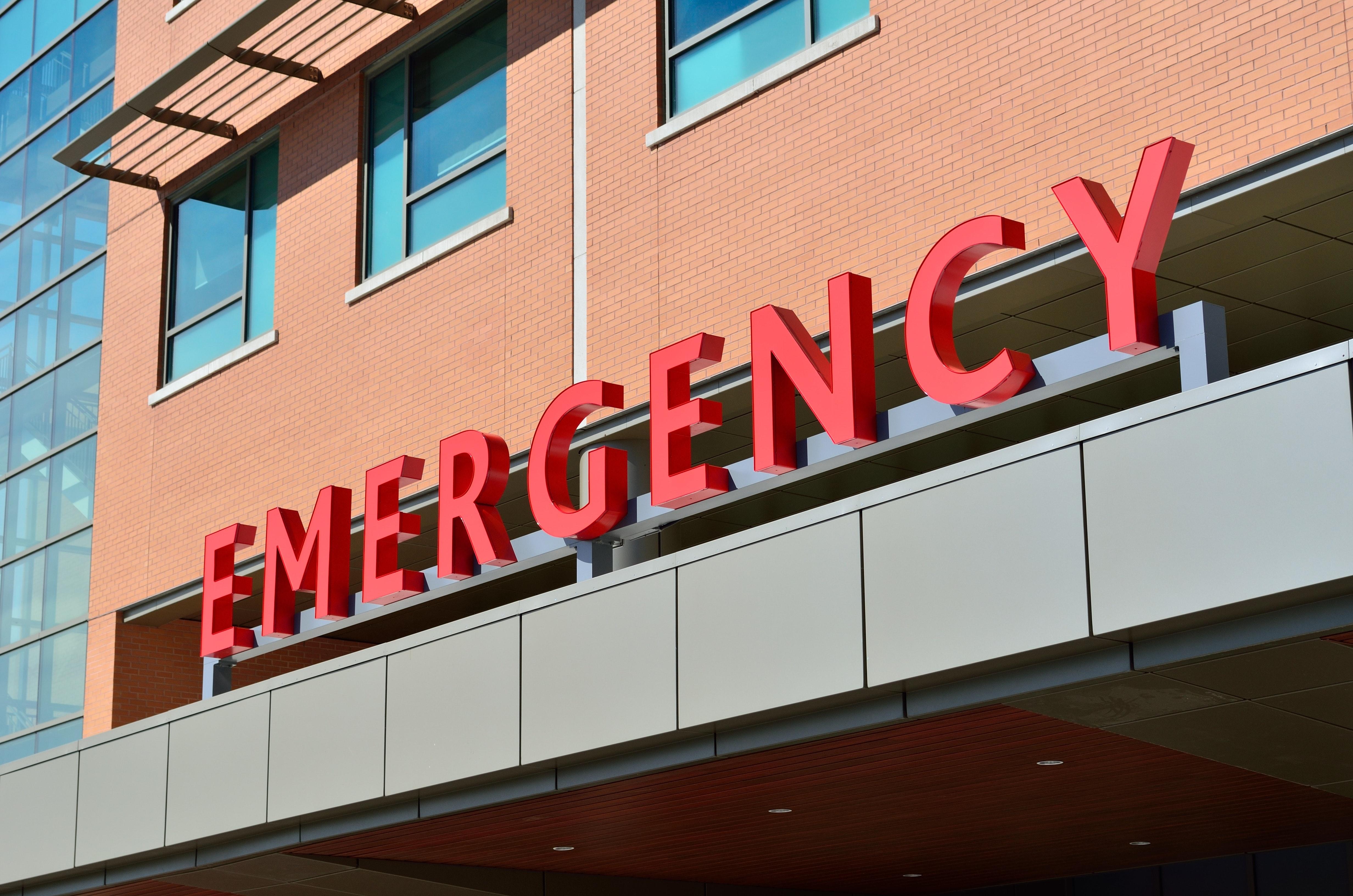Emergency sign outside of hospital
